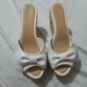 Nine & Co. white wedges slides sandals 6.5